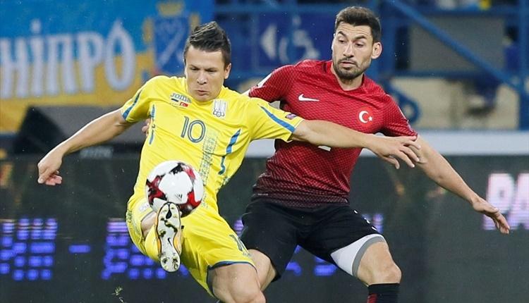 Ukrayna Türkiye maçında Emre Belözoğlu'ndan Şener'e fırça!