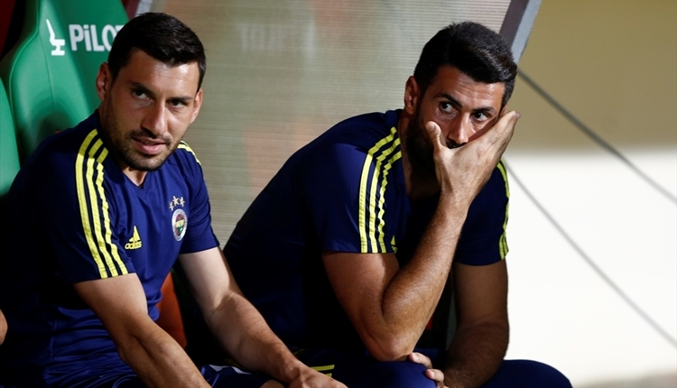 Fenerbahçe'de Volkan Demirel'den sert cevap: 'Boş işleri kovalamayın.'