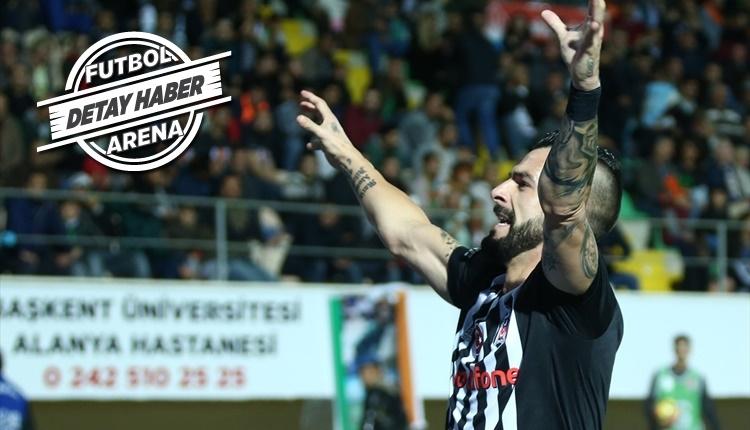 Beşiktaş'ta Alvaro Negredo şeytanın bacağını kırdı!