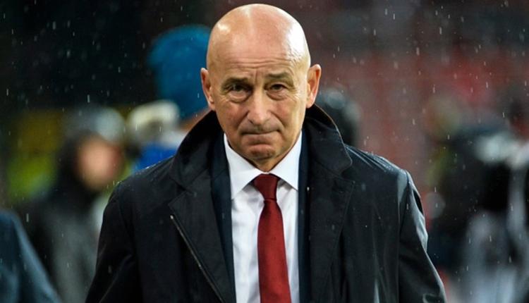 Dünya Kupası'nı garantileyen teknik direktörü kovdular