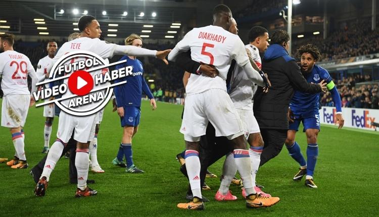Everton - Lyon maçında büyük kavga! Taraftar da karıştı (İZLE)