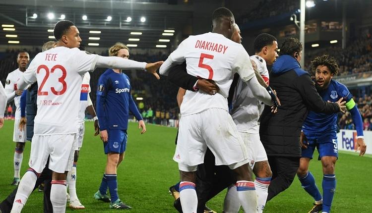 Everton'dan Lyon kalecisine saldıran taraftarına tarihi ceza