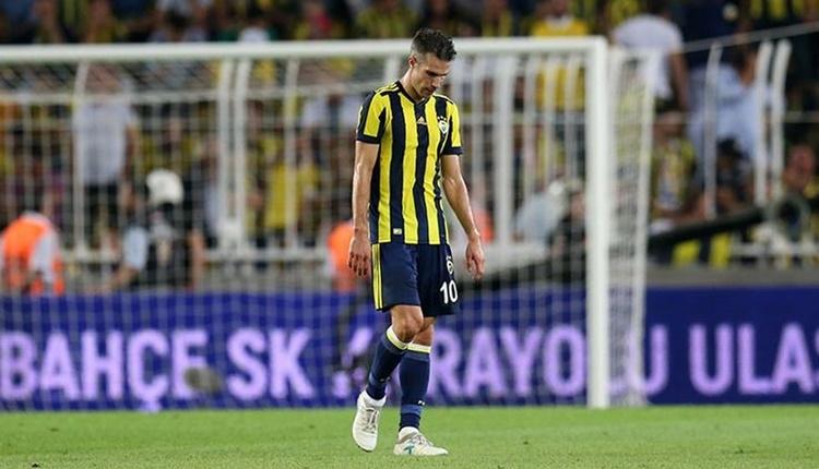 Fenerbahçe'de Robin van Persie tribünün müdavimi oldu