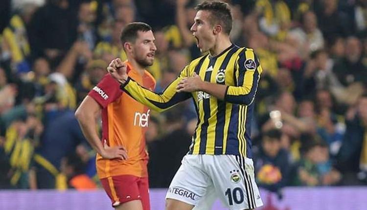 Fenerbahçe'de Robin van Persie'den Galatasaray'a gönderme