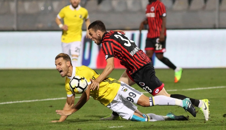 Fenerbahçe'de Soldado, Güiza'nın gerisinde kaldı