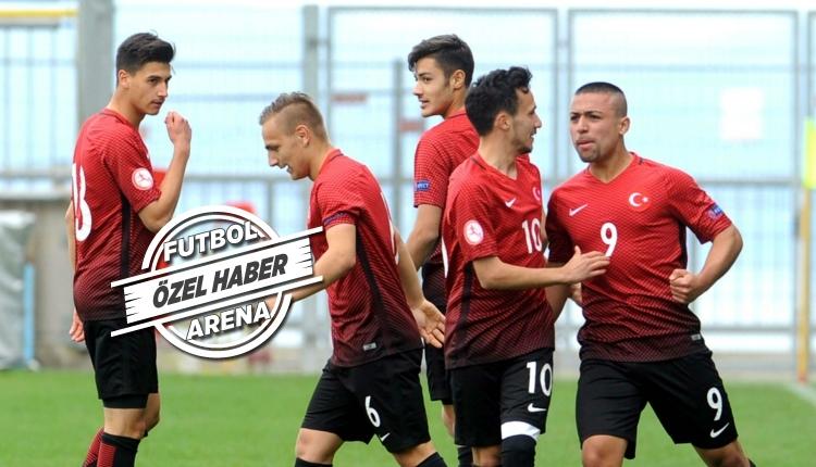 Galatasaray'da kritik zirve! 7 genç oyuncu ile yollar ayrılabilir