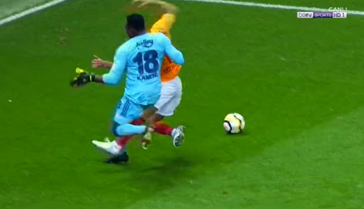 Galatasaray'da Younes Belhanda'nın gördüğü kırmızı kart doğru mu?