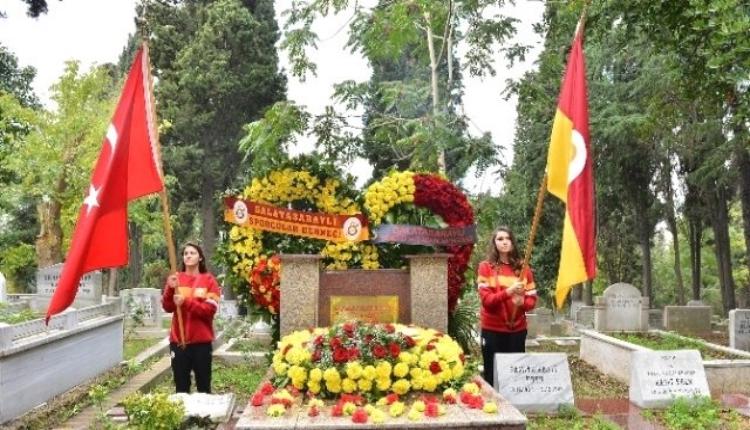 Galatasaray'dan Ali Sami Yen ve Süleyman Seba'ya ziyaret