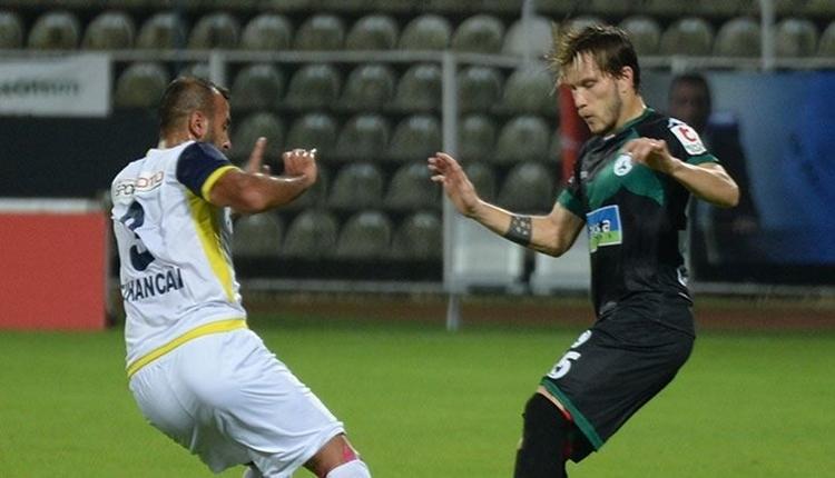 Giresunspor formasını yere fırlatan oyuncuyu kadro dışı bıraktı