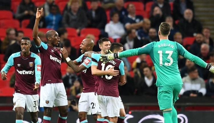 Slaven Bilic'in takımı West Ham'dan Tottenham maçında tarihi geri dönüş (İZLE)