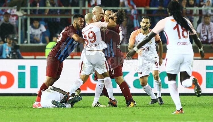 Trabzon'da olay! Olcay ve Feghouli kavgası kırmızı kart