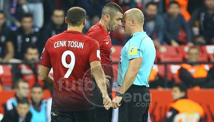 Türkiye - İzlanda maçında Burak Yılmaz'dan hakeme küfür!