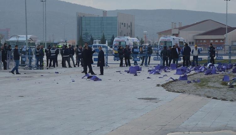 Afyonspor - Bucaspor maçında kavga! 4 kişi yaralandı