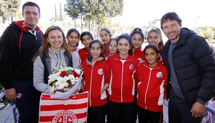 Antalyaspor'da Leonardo'dan Öğretmenler Günü ziyareti