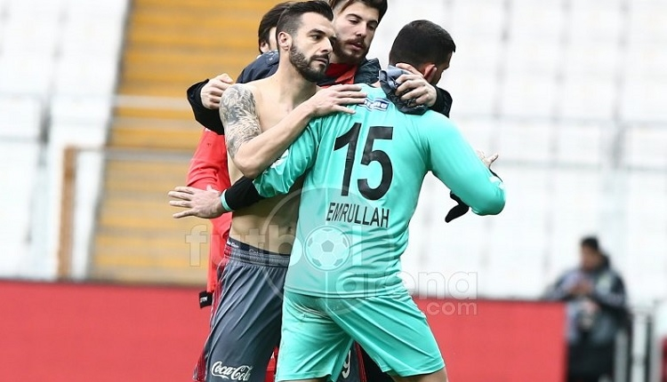 Beşiktaş - Manisaspor maçında 4 gol atan Negredo: 'Emrullah'a dedim ki...'