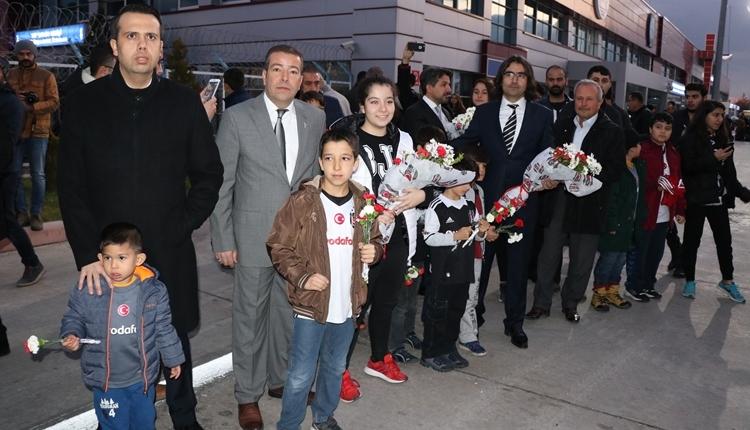 Beşiktaş'a 12 yıl sonra Malatya'da coşkulu karşılama