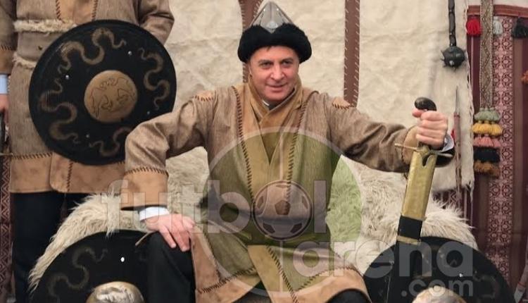 Beşiktaş'ta Fikret Orman kılıç kuşandı