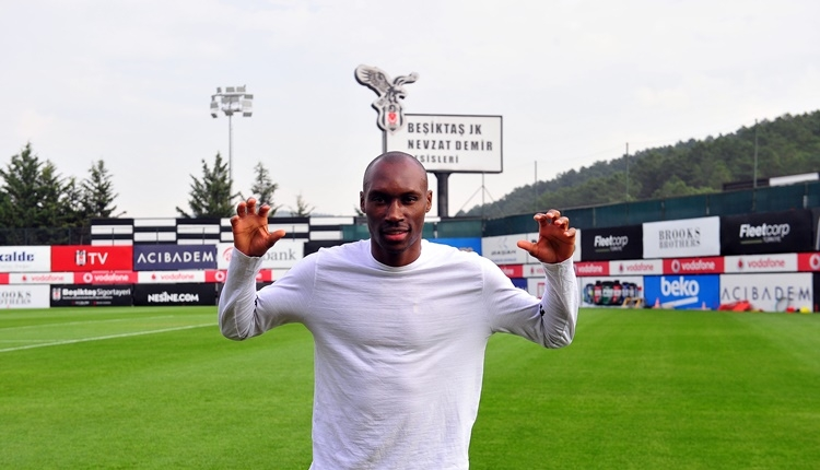 Beşiktaş'ta Atiba Hutchinson: 'Sözleşme görüşmesine açığım'