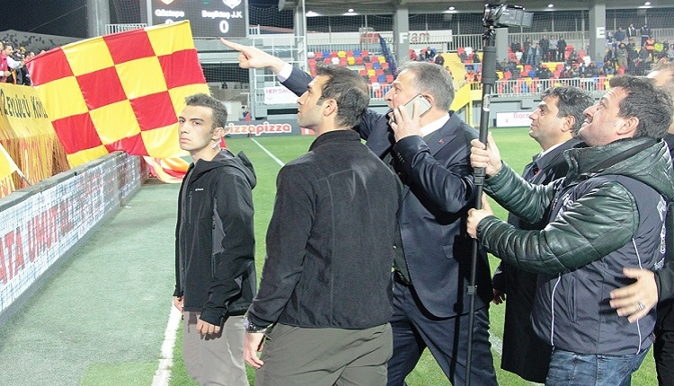 Göztepe - Beşiktaş maçı öncesi olay! Kaleci Günay Emniyet Müdürü'ne tepki gösterdi