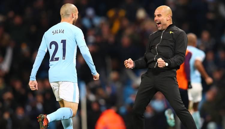 Manchester City, yıldızı David Silva ile nikah tazeledi