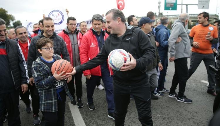 Spor Bakanı Osman Aşkın Bak ile vatandaş arasındaki yabancı sınırı diyaloğu