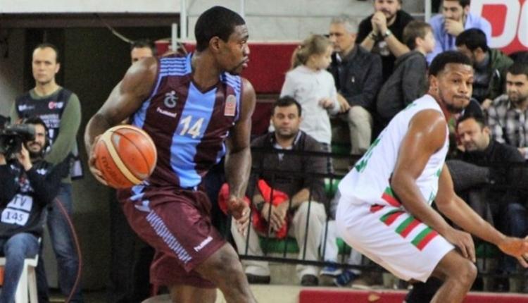 Trabzonspor, Pınar Karşıyaka'ya 1 sayıyla yenildi