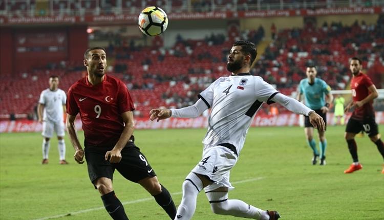 Türkiye - Arnavutluk maçında milli takım protesto edildi