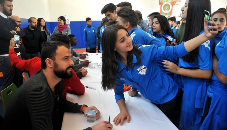 Alanyaspor'dan, Mevlüt Çavuşoğlu Spor Lisesi'ne ziyaret