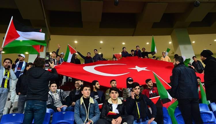 Başakşehir Stadı'nda Filistin'e destek