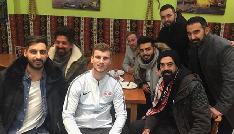Beşiktaş taraftarıyla birlikte dönercide buluşan Werner'den açıklama
