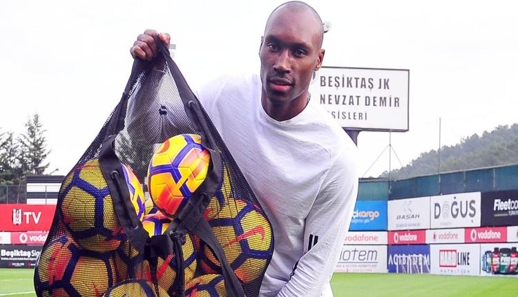 Beşiktaş'ta Atiba 6. kez Kanada'da yılın futbolcusu