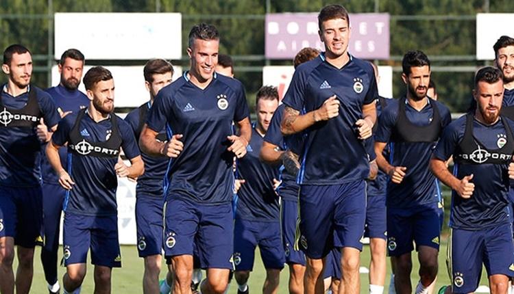 Fenerbahçe'de Aykut Kocaman, Robin van Persie'yi takımda tutacak!