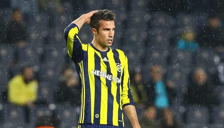 Fenerbahçeli Van Persie'ye Kasımpaşa maçında protesto