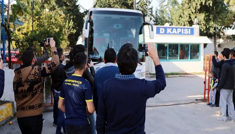Fenerbahçe'yi Adana'da 15 kişi karşıladı
