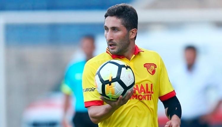 Galatasaray taraftarı Sabri Sarıoğlu'nu pas geçmeyecek