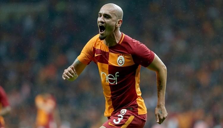 Galatasaray'ın savunmacıları orta sahaları geçti