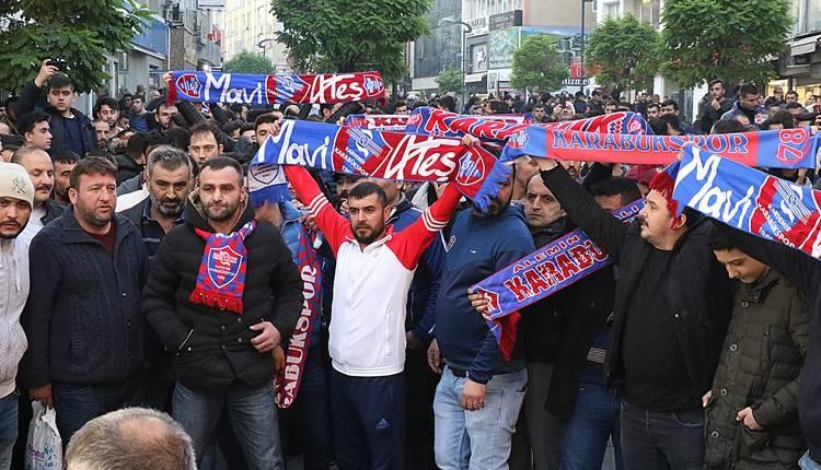 Karabükspor taraftarlarından destek yürüyüşü