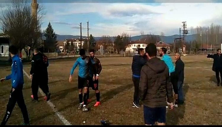 Kastamonu'da amatör maçta kavga çıktı!