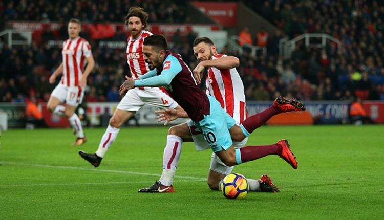 Penaltıda kendini yere atan futbolcuya 2 maç ceza