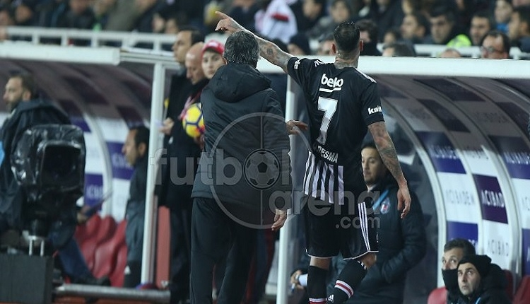 Quaresma'dan Sivasspor maçında oyundan çıktıktan sonra olay hareket