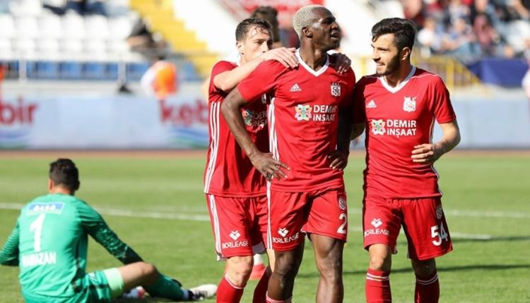 Sivasspor'da Arouna Kone kariyerinde ilki yaşadı