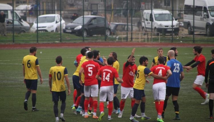 Tekirdağ'da Kapaklıspor Çerkezköy Doğanspor maçında saha karıştı!