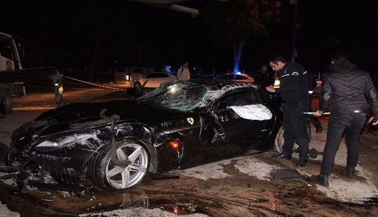 Trabzonsporlu Burak Yılmaz'dan trafik kazası sonrası ilk açıklama