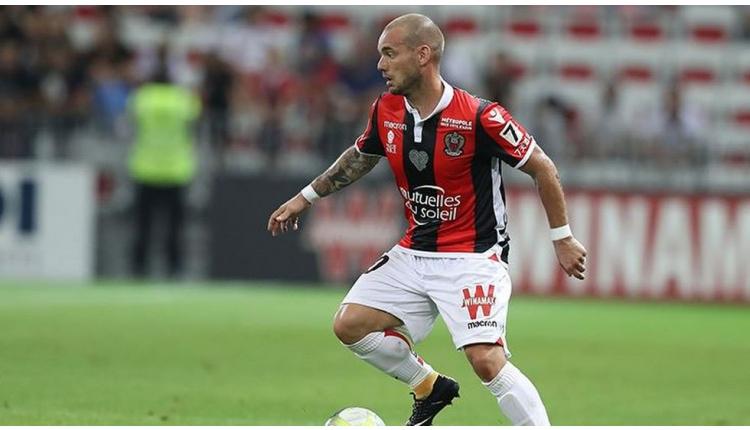 Wesley Sneijder için Göztepe'den transfer girişimi