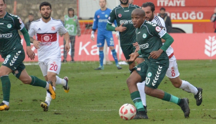 Atiker Konyaspor'da Manyama takımda kaldı