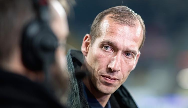 Almanya'da teknik direktör fenalaştı, maç tatil edildi