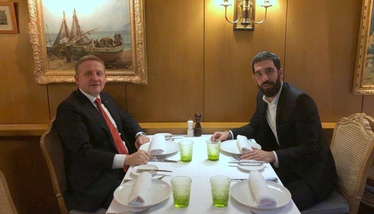 Başakşehir Arda Turan transferi için İspanya'ya uçuyor