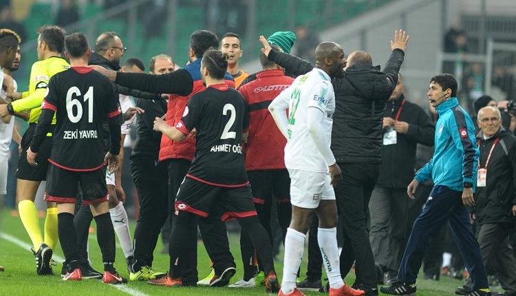 Bursaspor - Gençlerbirliği maç sonu koridorda kavga çıktı