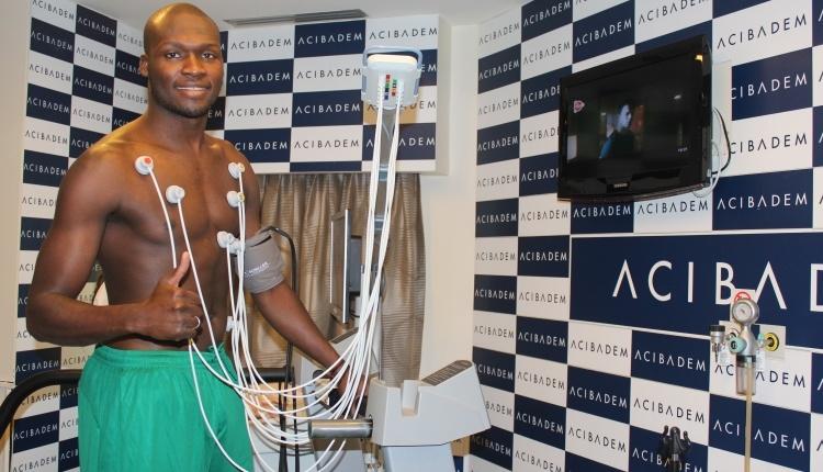 Bursaspor'da Moussa Sow sağlık kontrolünden geçti