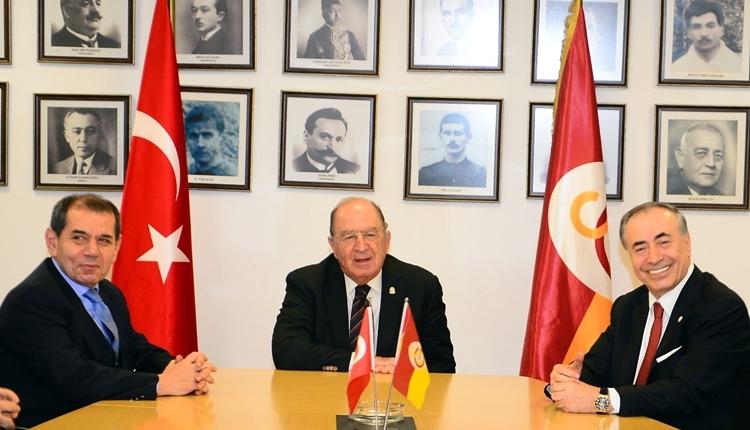 Dursun Özbek görevini törenle Mustafa Cengiz'e devretti